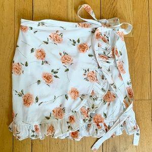 Dresses & Skirts - Revolve Motel Miza White Floral Wrap Skirt Sz S